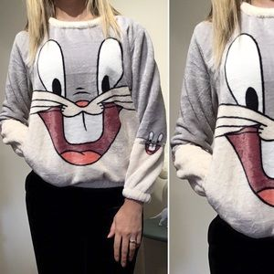 Sweaters - 2/$25💞 Bugs bunny soft sweater cartoon pullover
